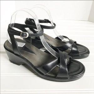 Dansko Arabelle Strappy Black Sandals Size 40 / 10